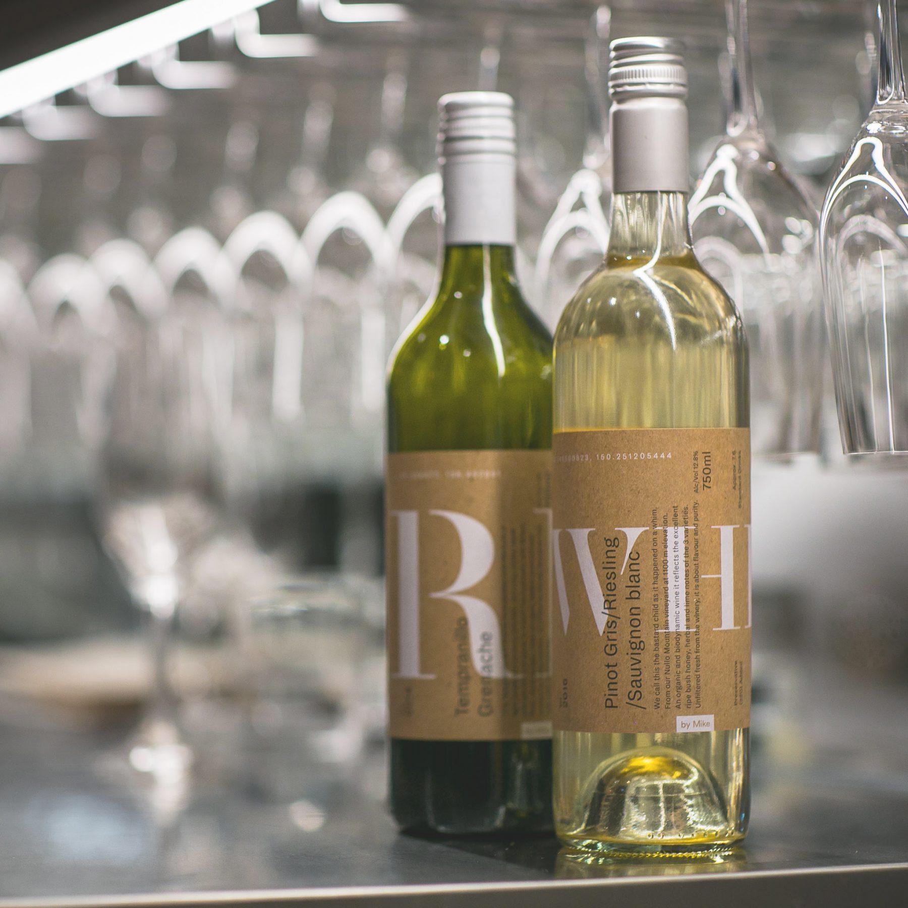 Natural kraft wine label image